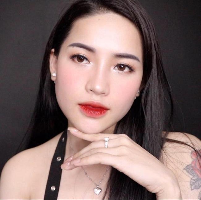 """Chê mỹ phẩm của Hồ Ngọc Hà, Youtuber Hà Linh bị """"ném đá"""", dọa đánh sập Facebook - Ảnh 3."""