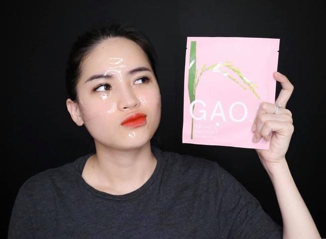 """Chê mỹ phẩm của Hồ Ngọc Hà, Youtuber Hà Linh bị """"ném đá"""", dọa đánh sập Facebook - Ảnh 1."""
