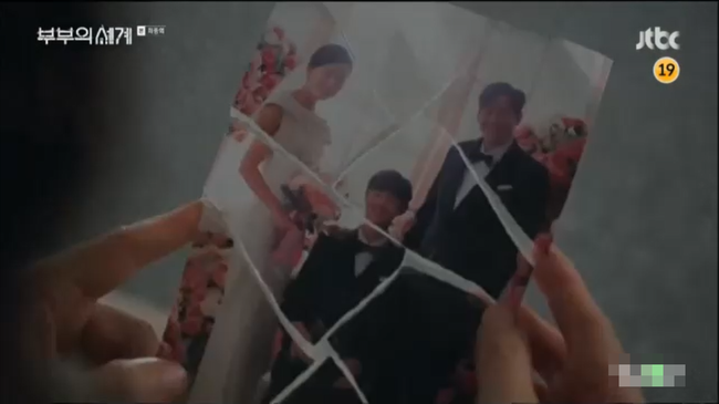 """Tập cuối """"Thế giới hôn nhân"""": Lee Tae Oh tự tử, Lee Joon Young bỏ đi, Sun Woo cô đơn chờ ngày con trở về - Ảnh 4."""