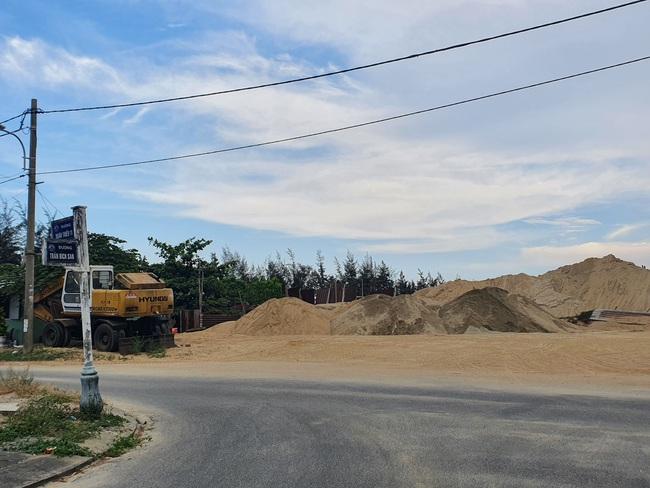 Đà Nẵng: Nhiều bãi tập kết cát công khai hoạt động sai quy định - Ảnh 3.