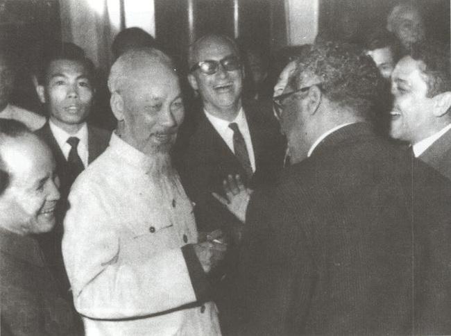 Chủ tịch Hồ Chí Minh và những lần trên bìa tạp chí Mỹ - Ảnh 7.