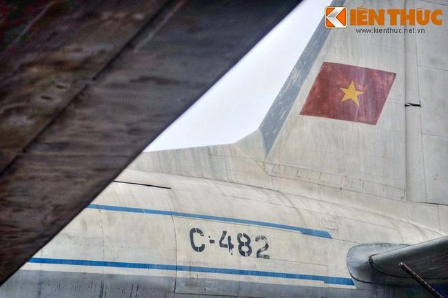Lặng ngắm chiếc chuyên cơ chở Bác Hồ giữa Hà Nội - Ảnh 11.