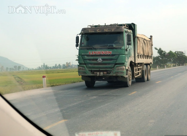 """Nghệ An: Nỗi sợ hãi từ xe vận tải mang logo """"HM"""", """"Thao Đô"""", """"Linh Sơn"""" - Ảnh 2."""