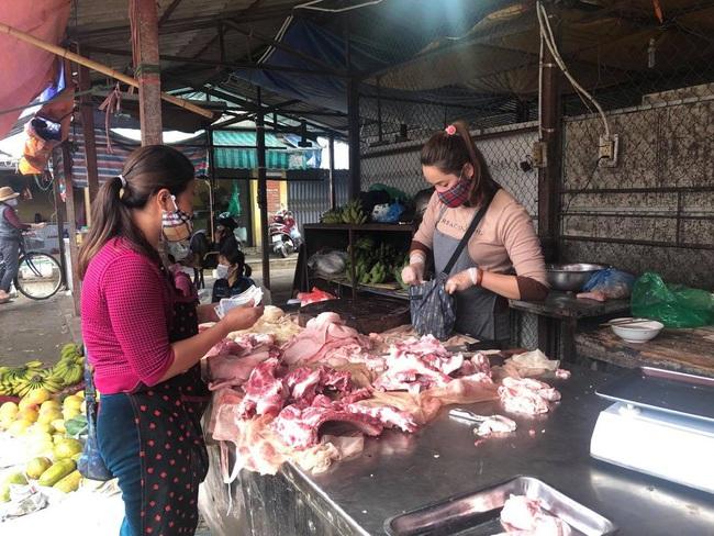 Giá heo hơi hôm nay 20/5: Một tháng tăng 15.000 đồng/kg, các ông lớn đua nhau đổ tiền tỷ vào thịt lợn - Ảnh 1.