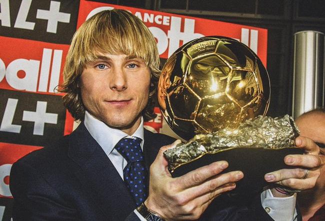 Top 10 Quả Bóng Vàng FIFA gây tranh cãi nhất lịch sử: Có cả Messi, Ronaldo - Ảnh 5.