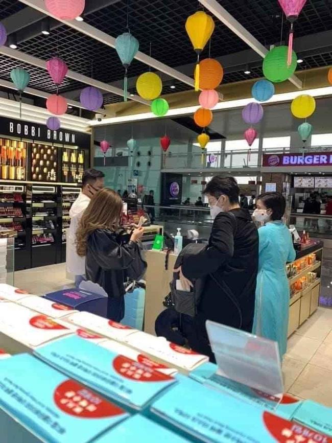 Hoàng Thùy Linh – Gil Lê bị bắt gặp đi mua sắm cùng nhau giữa ồn ào với Chi Pu? - Ảnh 6.