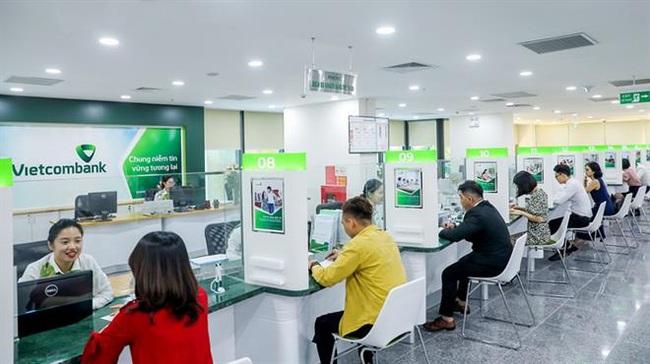 Vietcombank giảm lãi suất tiền vay giai đoạn 3 cho khách hàng cá nhân bị ảnh hưởng Covid-19 - Ảnh 1.