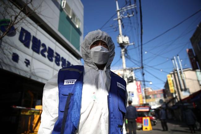 Thất nghiệp lên tới 70 triệu người, Trung Quốc đối diện nguy cơ khủng hoảng - Ảnh 1.