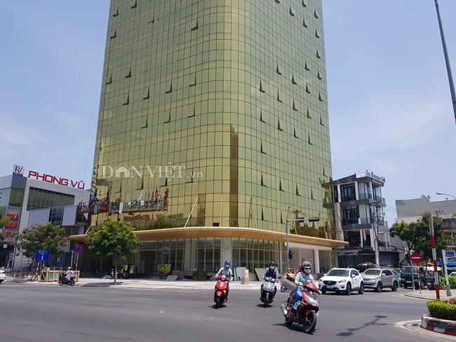 Phạt hành chính chủ các tòa nhà ốp kính vàng ở Đà Nẵng - Ảnh 1.