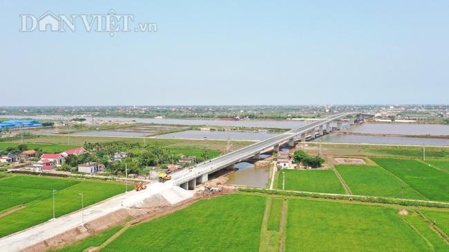 Cận cảnh cầu Thịnh Long nối đôi bờ sông Ninh Cơ trước ngày thông xe - Ảnh 5.