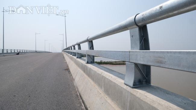 Cận cảnh cầu Thịnh Long nối đôi bờ sông Ninh Cơ trước ngày thông xe - Ảnh 3.