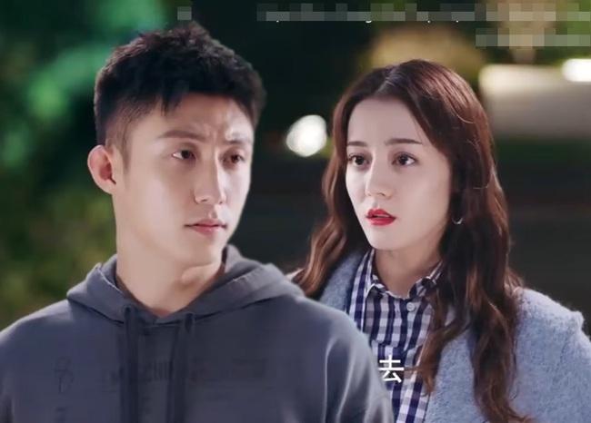 Hạnh phúc trong tầm tay tập 16: Hoàng Cảnh Du đòi ra mắt bố mẹ Địch Lệ Nhiệt Ba khiến bạn gái phát bực - Ảnh 1.