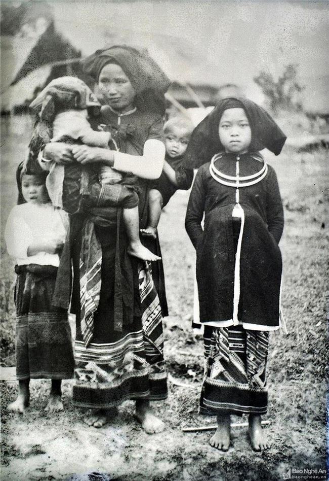 Ảnh hiếm về đồng bào dân tộc thiểu số Nghệ An 100 năm trước - Ảnh 5.