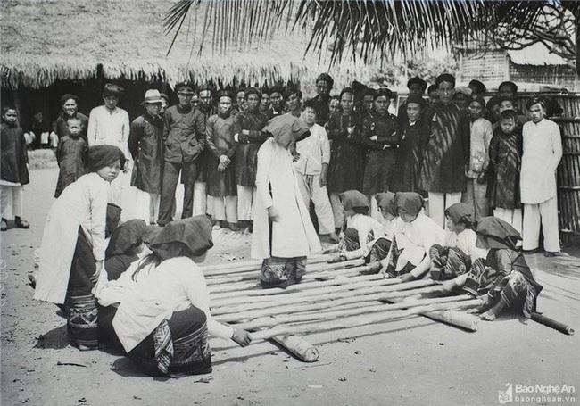 Ảnh hiếm về đồng bào dân tộc thiểu số Nghệ An 100 năm trước - Ảnh 8.