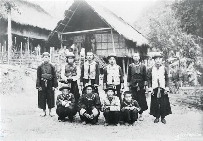Ảnh hiếm về đồng bào dân tộc thiểu số Nghệ An 100 năm trước - Ảnh 9.