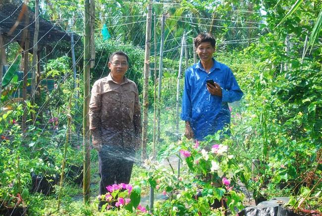 Lão nông khởi nghiệp từ... 10 hạt giống, nổi danh nhờ bán loại chanh leo ngọt lừ trên mạng xã hội