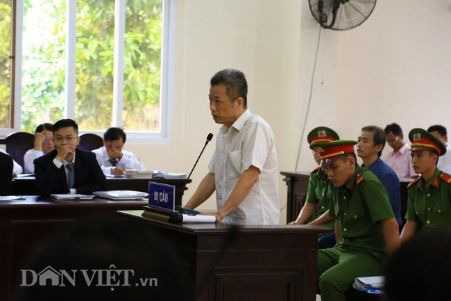 Cựu Bí thư Bến Cát bị tuyên 10 năm tù giam - Ảnh 1.