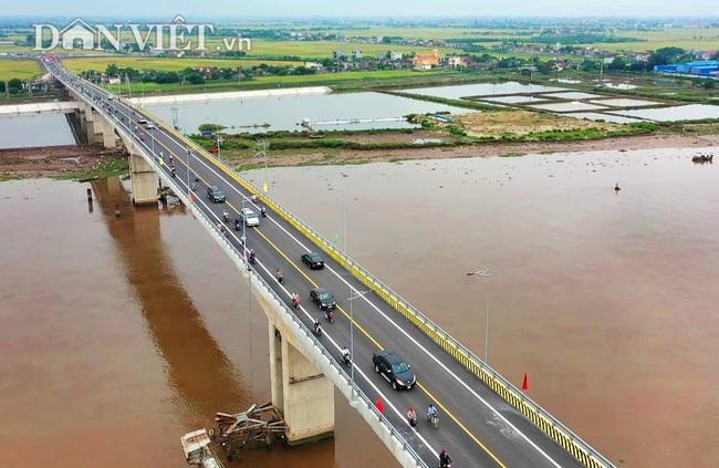 Từ trên cao nhìn về Cầu Thịnh Long nối đôi bờ sông Ninh Cơ - Ảnh 9.