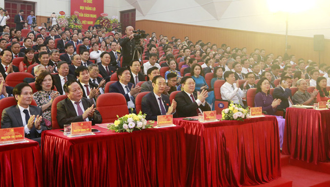 Huyện Gia Lâm không còn hộ nghèo, phấn đấu lên quận năm 2025 - Ảnh 1.