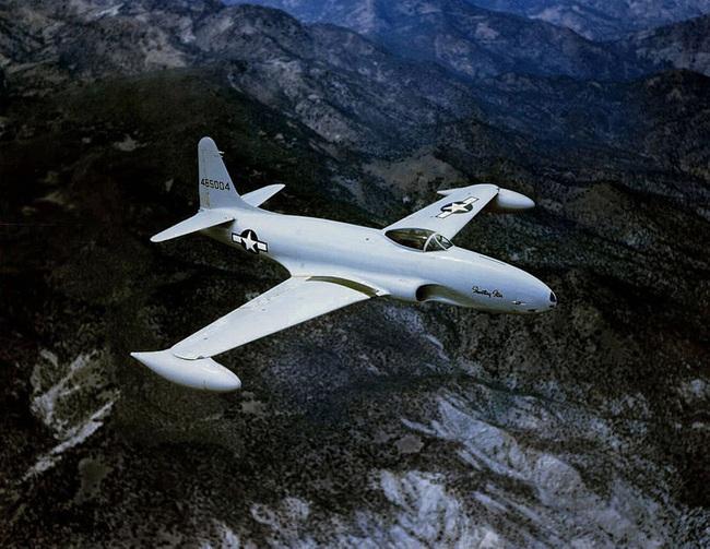 Oái oăm chuyện chiếc máy bay hại chết một loạt phi công Ace Mỹ - Ảnh 1.