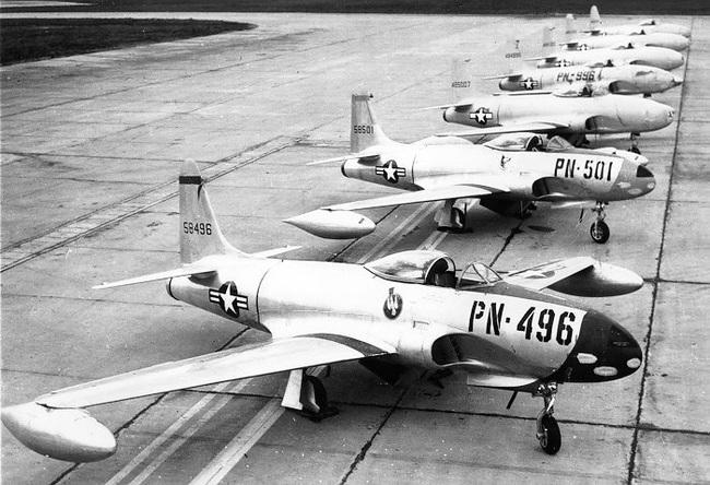 Oái oăm chuyện chiếc máy bay hại chết một loạt phi công Ace Mỹ - Ảnh 4.