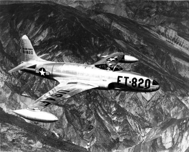Oái oăm chuyện chiếc máy bay hại chết một loạt phi công Ace Mỹ - Ảnh 11.