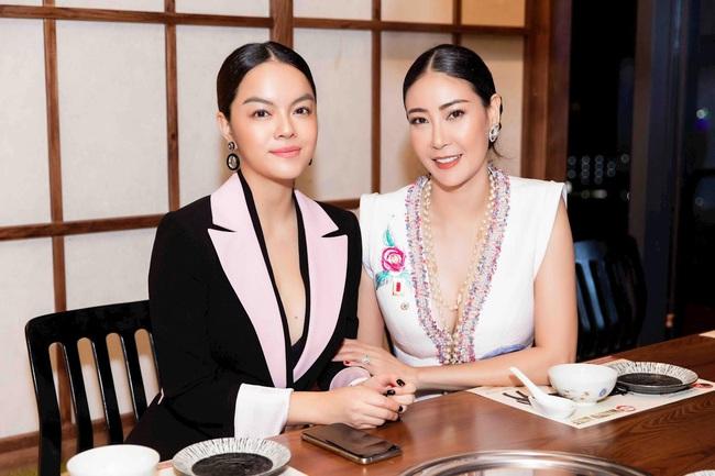 Ninh Dương Lan Ngọc gợi cảm với áo ánh kim, đọ dáng cùng dàn sao Việt - Ảnh 4.
