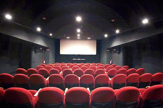 Gần 5.000 rạp chiếu phim Trung Quốc có nguy cơ phá sản sau dịch - Ảnh 1.