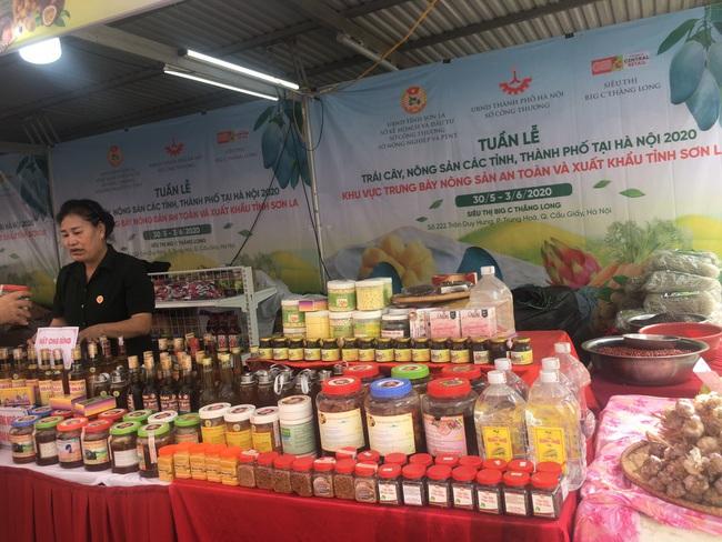 Hàng trăm đặc sản địa phương tập trung tại Hà Nội - Ảnh 5.
