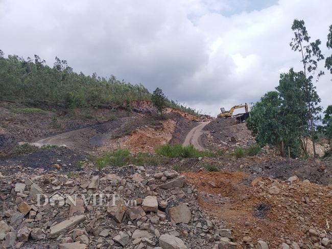 Vụ khai thác đất đá tại núi Hang Hùm: Tranh cãi gay gắt về hợp đồng - Ảnh 3.