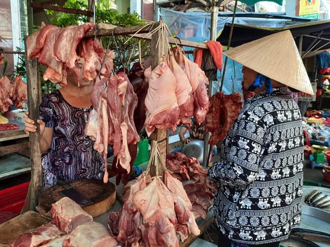 Cà Mau: Tái đàn gặp khó vì khan hiếm con giống, giá thịt lợn ở mức cao - Ảnh 2.