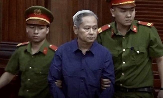 Sắp xử phúc thẩm vụ cựu Phó Chủ tịch UBND TP.HCM Nguyễn Hữu Tín - Ảnh 1.