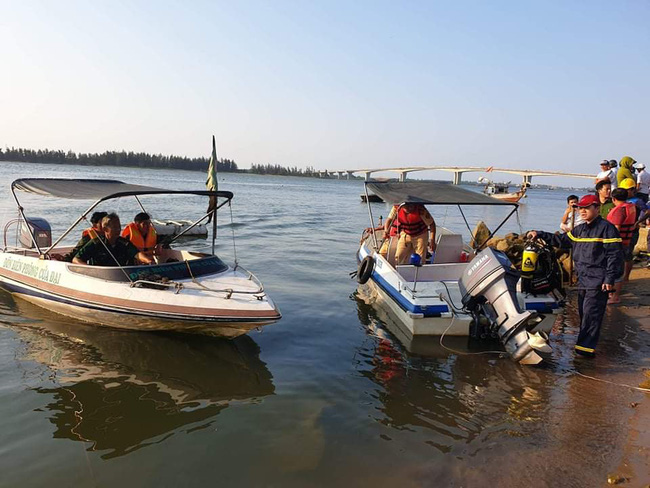Khẩn trương tìm 5 người mất tích trong vụ chìm ghe ở Quảng Nam - Ảnh 3.
