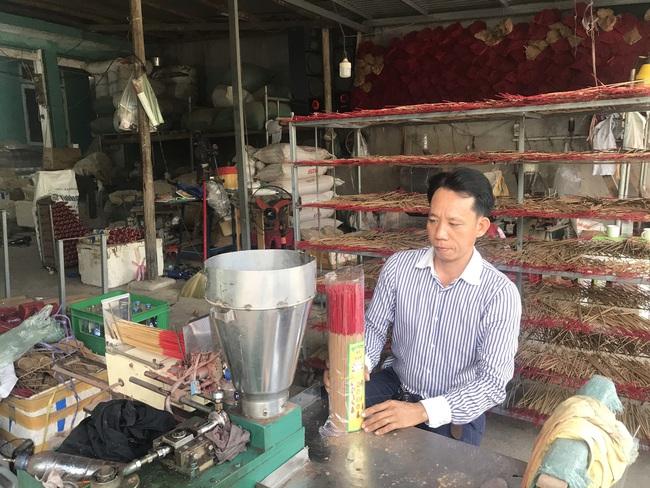 """Quảng Nam: Kỹ sư cầu đường quyết bỏ nghề về quê làm trầm hương, """"đút tút"""" tiền tỷ mỗi năm  - Ảnh 1."""