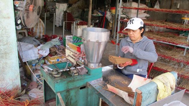 """Quảng Nam: Kỹ sư cầu đường quyết bỏ nghề về quê làm trầm hương, """"đút tút"""" tiền tỷ mỗi năm  - Ảnh 2."""