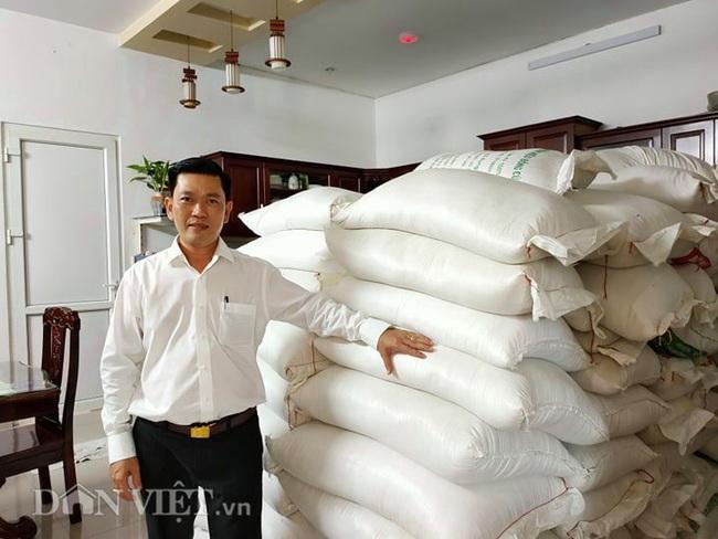 Mua 10 tấn gạo ủng hộ người nghèo, nhận hàng mới biết bị lừa - Ảnh 1.
