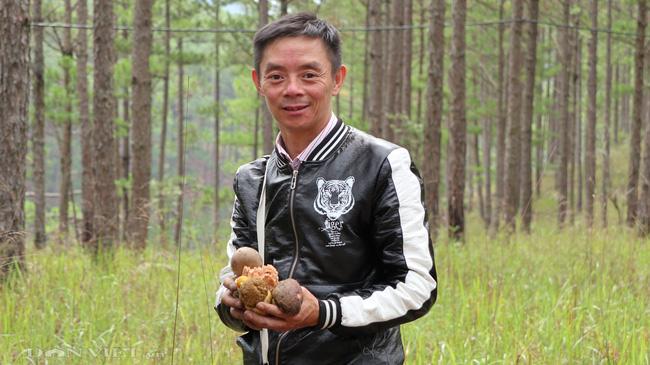 Ảnh - Clip: Săn nấm rừng Đà Lạt, không phải ai cũng biết - Ảnh 13.