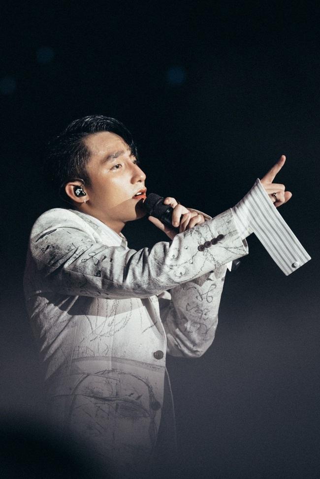"""Sơn Tùng MTP tuyên bố từ bỏ """"ngôi vương"""", không làm ca sĩ sau 30 tuổi - Ảnh 2."""