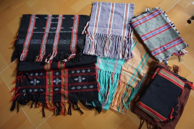 Đà Nẵng: Khôi phục nghề dệt thổ cẩm Cơ Tu gắn với phát triển du lịch homestay - Ảnh 2.