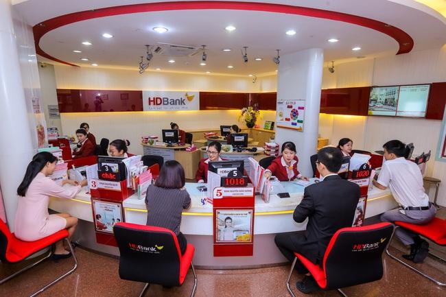 HDBank bất ngờ rút hai tờ trình về cổ phiếu thưởng và chia cổ tức - Ảnh 2.