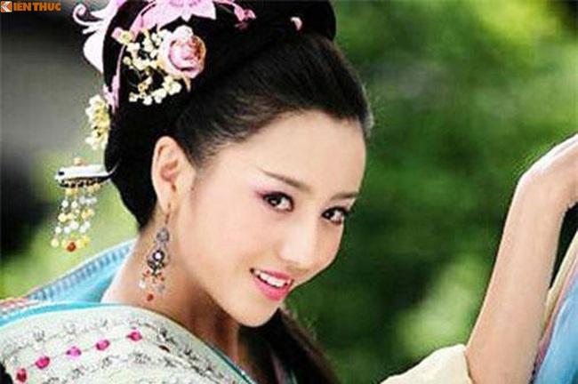 Bà hoàng Trung Quốc độc ác không sinh được con trai, giết sạch con vua - Ảnh 1.