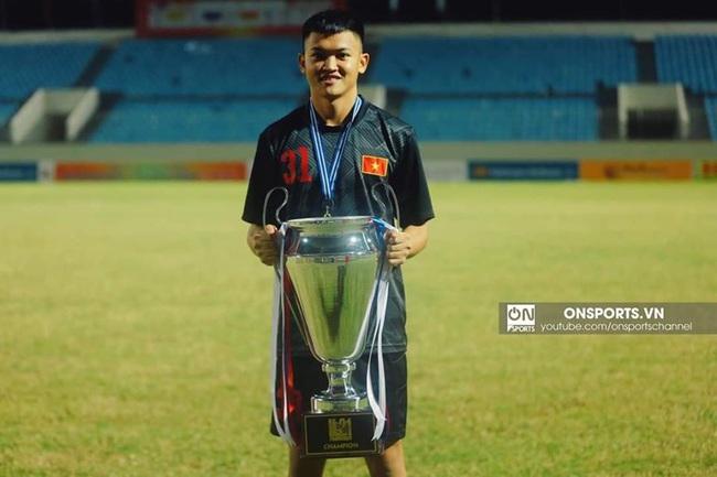 3 thủ môn của U22 Việt Nam - Ai xứng đáng nhất trong khung gỗ - Ảnh 2.