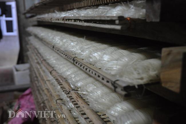 Làng làm cao khô, phơi trắng ngõ ở xứ Lạng thu gần 1,9 tỷ mỗi năm - Ảnh 1.