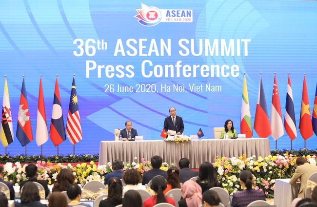 Thủ tướng: ASEAN không chọn bên nào giữa Trung Quốc và Mỹ - Ảnh 2.