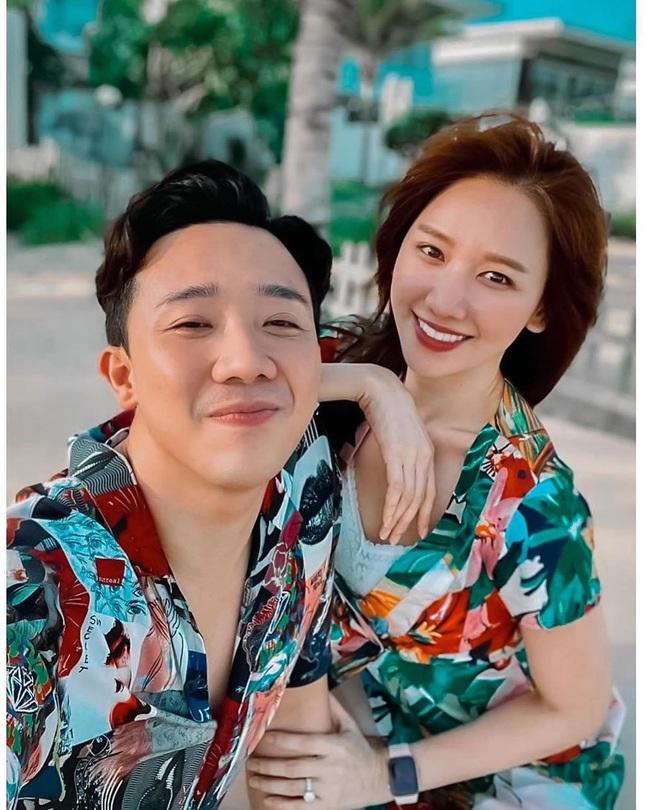 Hari Won phát hiện điều thú vị sau 4 năm kết hôn, Trấn Thành nhắc nhở bà xã về trang phục - Ảnh 2.