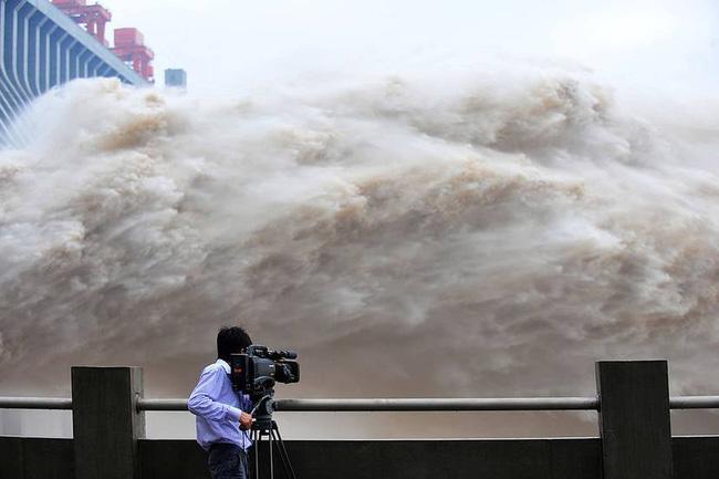 """Sự thật sốc về đập Tam Hiệp - Trung Quốc: """"Thảm họa"""" làm chậm quá trình quay của Trái đất - Ảnh 4."""