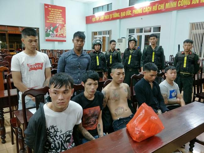 Vụ hỗn chiến náo loạn đường phố Buôn Ma Thuột: Hàng loạt đối tượng bị bắt giam - Ảnh 2.