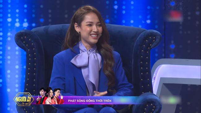 Hương Giang thừa nhận thường lén lút yêu đương giống các ngôi sao Hàn Quốc - Ảnh 1.