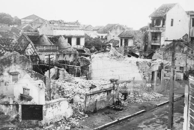 Ảnh để đời về Hà Nội trong đạn bom năm 1967 - Ảnh 3.