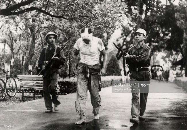 Ảnh để đời về Hà Nội trong đạn bom năm 1967 - Ảnh 8.